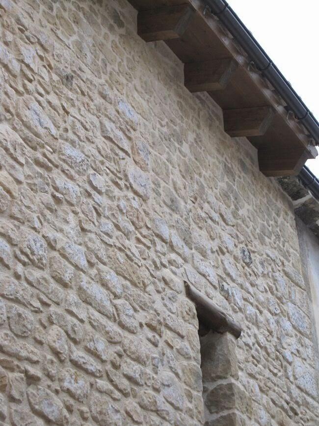 Rehabilitación de fachadas con simil piedra