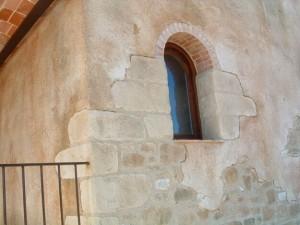 tematizacion de piedra en fachada con mortero