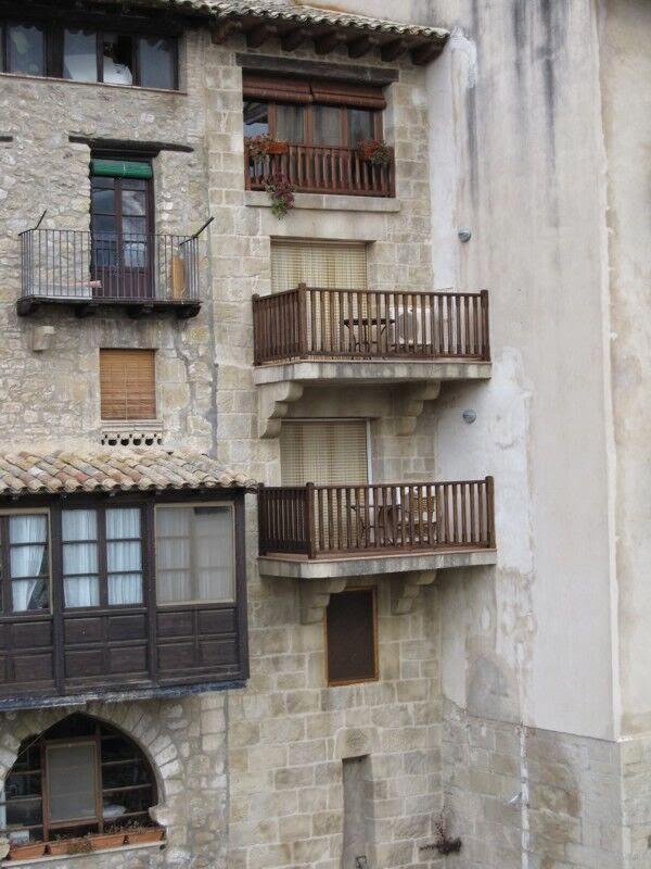 fachada desde el rio matarranya tematizada con mortero