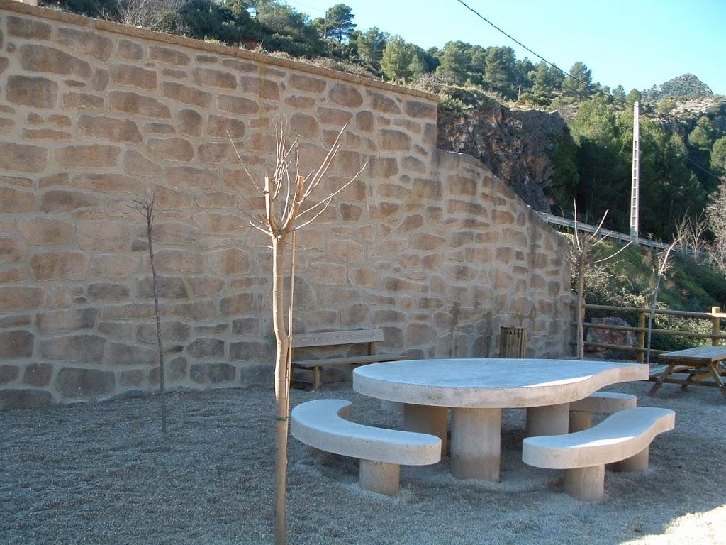 Muros decorativos estecha reproducciones for Mortero para juntas exterior