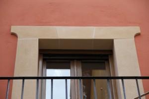 recercos de balcón con simil piedra