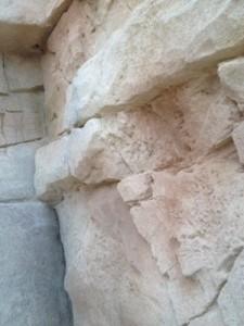 roca tematizada con mortero