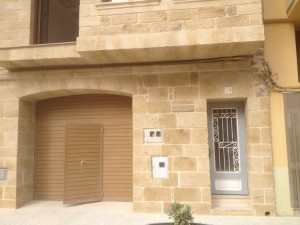 tematizacion de piedra en fachada