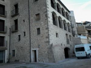 fachada tematizacion de piedra irregular