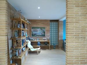 reproducción ladrillo en paredes salón