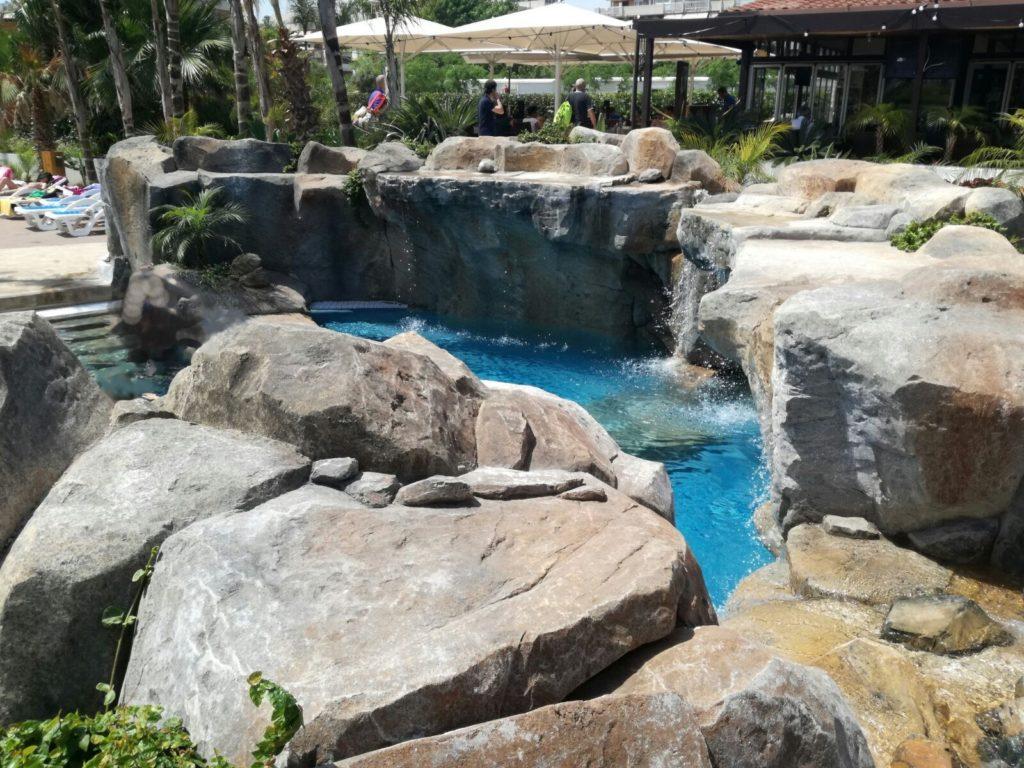 Piscinas de piedra fotos de piletas de estilo moderno - Piedras para piscinas ...